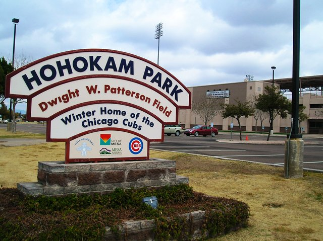 Chicago Cubs Pitchers and Catchers: REPORT!