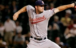 Chicago Cubs Sign Pitcher Jensen Lewis to Minor League Deal