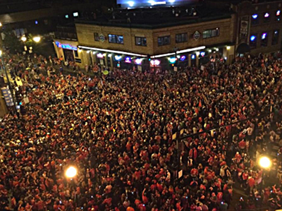 fans mob outside wrigley