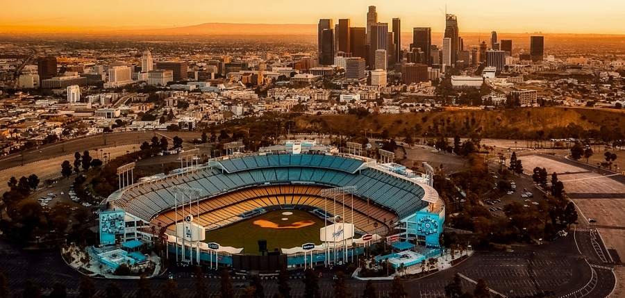 Dodger-stadium-los-angeles-skyline