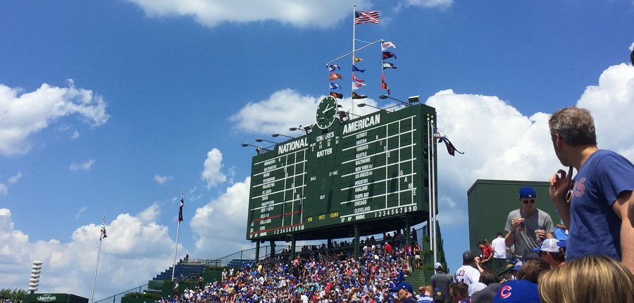 Wrigley-field-scoreboard-feature