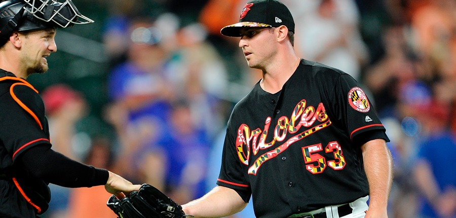 Zach-britton-orioles-weird-uniform-photo-by-greg-fiumegetty-images-gettyimages-999066192