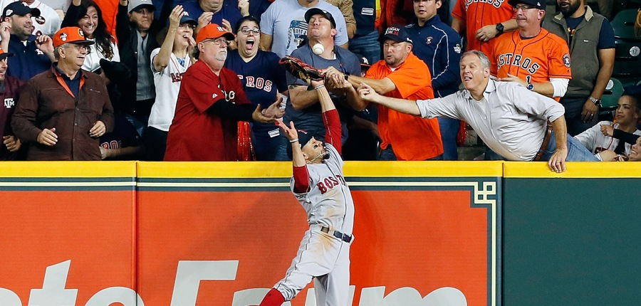 Mookie-betts-outfield-astros-photo-by-bob-leveygetty-images-gettyimages-1052425522