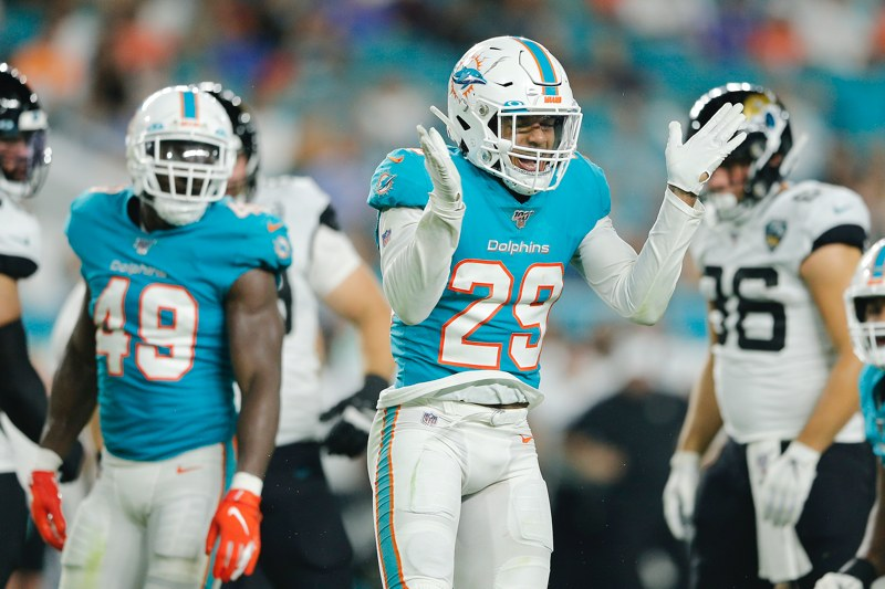 Steelers acquire DB Minkah Fitzpatrick from Dolphins for draft picks